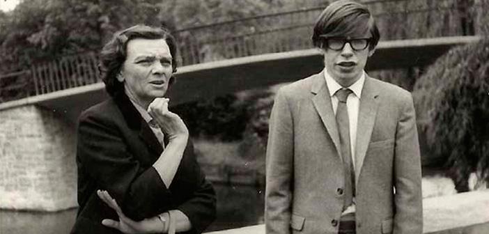 Stephen Hawking: 5 situaciones importantes para la vida que la universidad no te enseñará